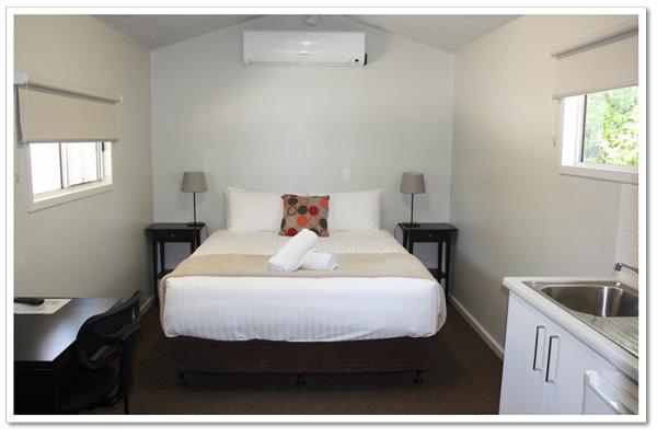 Mundulla Hotel Cabin Accommodation